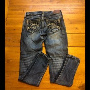 Distressed 👖 Jeans